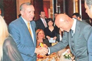 ''YERE KADAR EĞİLEN ŞAHENK'İN...'' TARAF NTV'NİN PATRONUNU YERİN DİBİNE SOKTU!