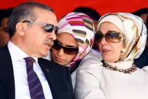 Cemaat Erdoğan'ı ses kayıtlarıyla vurdu!