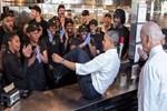 Obama'dan inşaat işçileriyle ilginç poz!