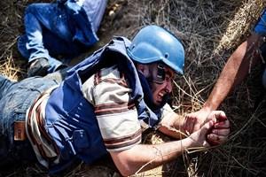 İsrail ateş açtı, AA kameramanı yaralandı!