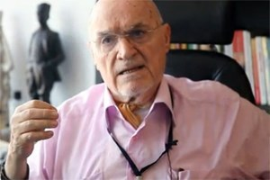 Hıncal Uluç'tan Ahmet Hakan'a saldırı yorumu: Sorumlusu İstanbul Valisi!