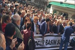 Gazeteciler 'özgür basın' için sokağa çıktı!