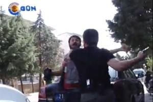 Gazeteci başına silah dayanarak gözaltına alındı