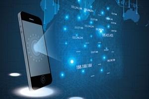 O isimden uyarı: Şirinler, tek SMS'le telefonunuzu ele geçirebilir!