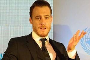 Oyuncu Kerem Bürsin'den dizilere eleştiri