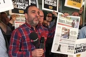Today's Zaman'ın Genel Yayın Yönetmeni Bülent Keneş tekrar gözaltına alındı