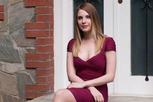 Güzel oyuncu 28 yaş büyük sevgilisiyle yakalandı