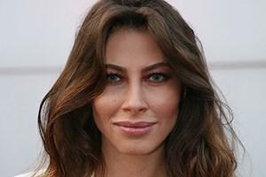 Şenay Akay: Beni zorla öptüler savcı bey!