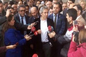 Dündar'dan Erdoğan'a adliye önünde yanıt
