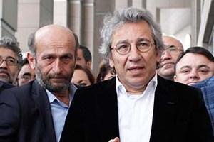 12 gazeteden 45 yazar Can Dündar ve Erdem Gül'ün tutuklanmasını yazdı