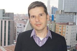 Mehmet Ali Ilıcak Medyaradar'a konuştu: Nazlı Ilıcak'ın oğlu olmak denizde sörf yapmak gibi...