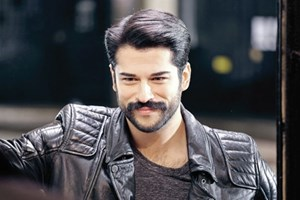Burak Özçivit'e dudak uçuklatan reklam teklifi
