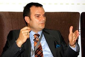Yeni Şafak yazarı Özkök'e patladı: 'Tanrısal ayarlarını' Erdoğan bozdu!