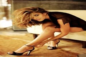 Eva Mendes nü pozlarıyla şaşırttı!