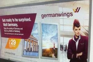 Uçağı düşen firma reklamını değiştirdi