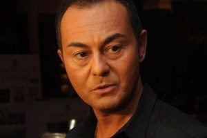 Hangi gazeteci Serdar Ortaç'a dava açtı?