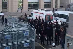 Flaş!..  İstanbul Adalet Sarayı'ndaki herkes didik didik aranıyor!