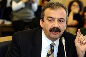 Sırrı Süreyya Önder canlı yayında NTV'ye yüklendi!