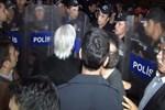 İstanbul Adalet Sarayı önünde arbede! Gazeteci ve avukatlarla tartışma çıktı!