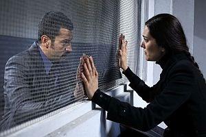 Karadayı'da heyecan dorukta! Feride, Mahir'i hapisten kaçırıyor!