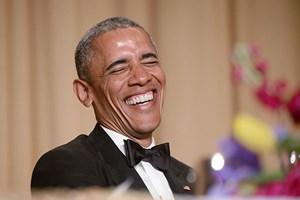 Obama Beyaz Saray'da kırdı geçirdi!