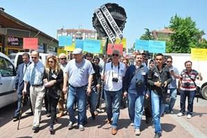 AA muhabirleri darp edildi, meslektaşları protesto etti!