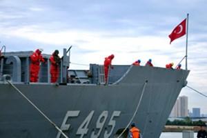 Deniz Kuvvetleri'nin tarihi yolculuğunu yalnız o gazeteci takip edecek! (Medyaradar/Özel)