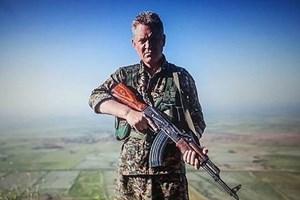 Ünlü aktör silahlandı: Ölene kadar IŞİD'le savaşacağım!
