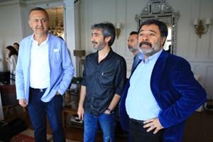Ünlü yazardan Paramparça'ya set ziyareti