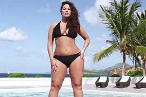 Plaj vücudu reklamına ünlü modelden tepki!