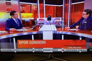 CNN Türk spikeri o haberi sunamadı!