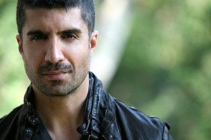 Özcan Deniz, yeni filmi için hangi ünlü oyuncuya 2 milyon teklif etti?