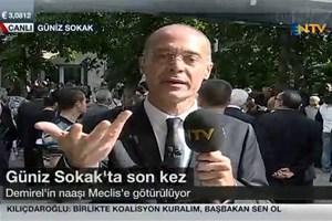 NTV spikerinin canlı yayında zor anları