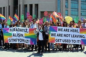 LGBTİ derneklerinden İstanbul Valisi ve polisler için suç duyurusu!