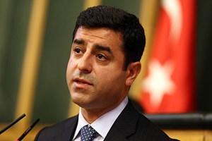 Demirtaş'ın konuşmasını kanallar yayınlamadı! Gazeteciler tepki gösterdi!