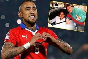 Ünlü futbolcunun babası 4 çanta kokainle yakalandı!