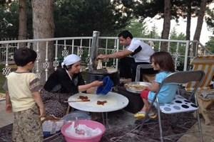 Ahmet Hakan o fotoğrafı yorumladı! Demirtaş, bir dirhem gözlemeyi Bahçeli'ye ikram etse...