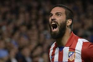 Arda Turan Barcelona'ya transfer oldu capsler yıkıldı