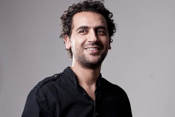 Ödüllü yazar gözaltına alındı
