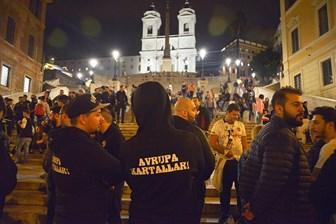 İtalya'da Türk gazeteci ve taraftarlara saldırı