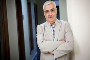 Polisten Zaman'ın eski yazarı Ali Bulaç'a: Reisin kadrini bilemediniz, sürüneceksin!