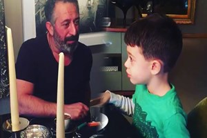 Cem Yılmaz ve Oğlu Kemal'den stand up müjdesi