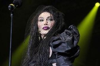 Dünyaca ünlü müzik ikonu hayatını kaybetti!