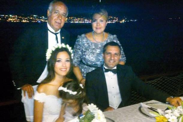 Rafet El Roman'dan kayınpederine: Yavşak, evlen kızımla diye yalvardın!