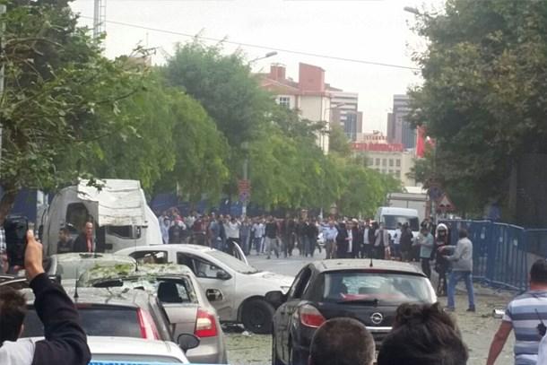 İstanbul'da bombalı motosiklet patladı: 10 yaralı!