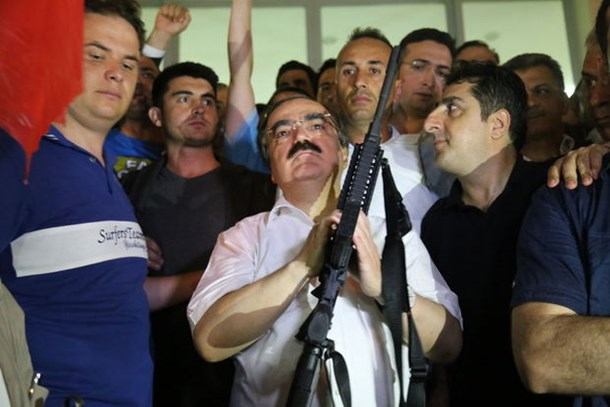 'MİT TIR'ları' iddiasında ikinci raund! Vali Coş açıklama yaptı, o muhabir yanıt verdi!