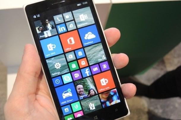 Nokia telefon sektörüne geri dönüyor!