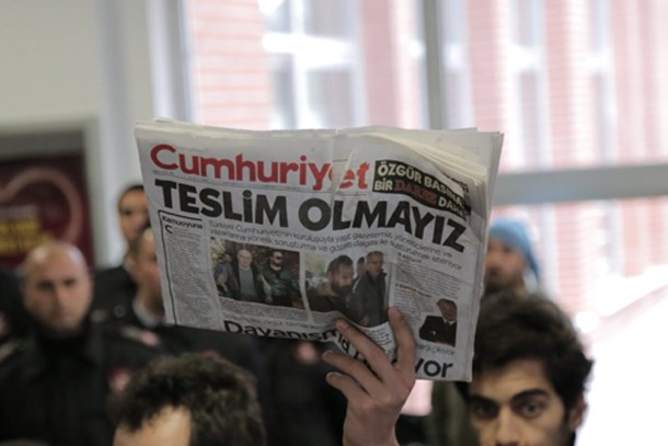 Cumhuriyet yazarları ve yöneticilerinden savcıya çağrı: Tutuksuz yargılanmak istiyoruz!