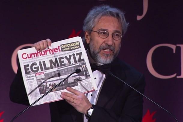 Can Dündar, CNN'de Amanpour'un konuğu oldu: Hem gururu hem de utancı bir arada yaşıyorum