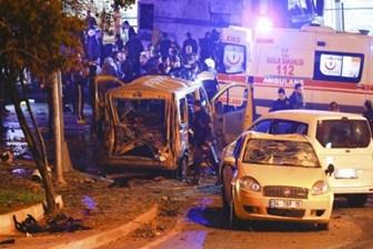 Dolmabahçe'de bomba yüklü araçla saldırı; şehit ve yaralılar var!